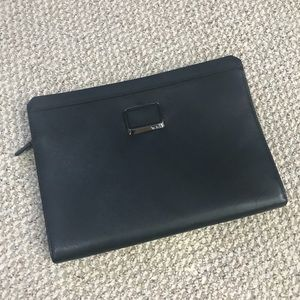 TUMI 100% Leather Dakota Tablet Cover